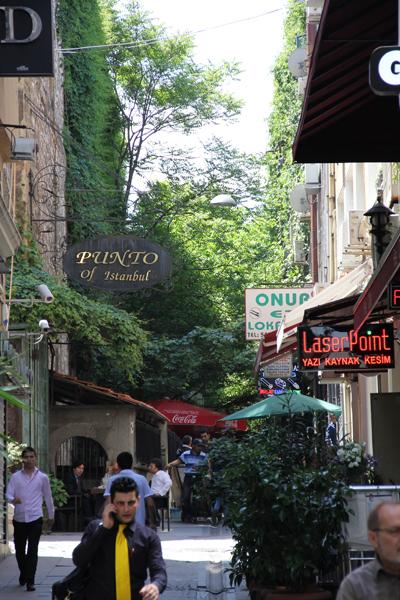 11-06-04a-istanbul-1.jpg