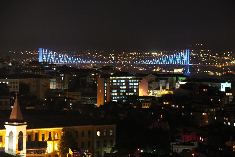 11-06-04a-istanbul-242.jpg